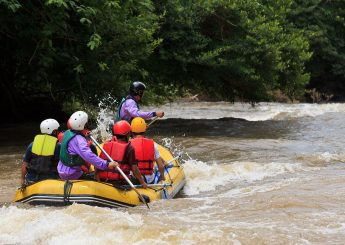 0812 9393 9797, Rafting 8 km & Flying Fox Sungai Ciliwung, Bogor