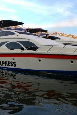 BERLAYAR KE PULAU SERIBU KM. pramuka express