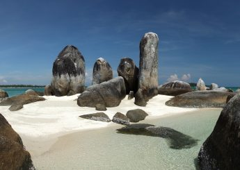 Belitung Sport Water 2h1m Including Snorkeling & Banana Boat Plus Accommodation (Hotels)