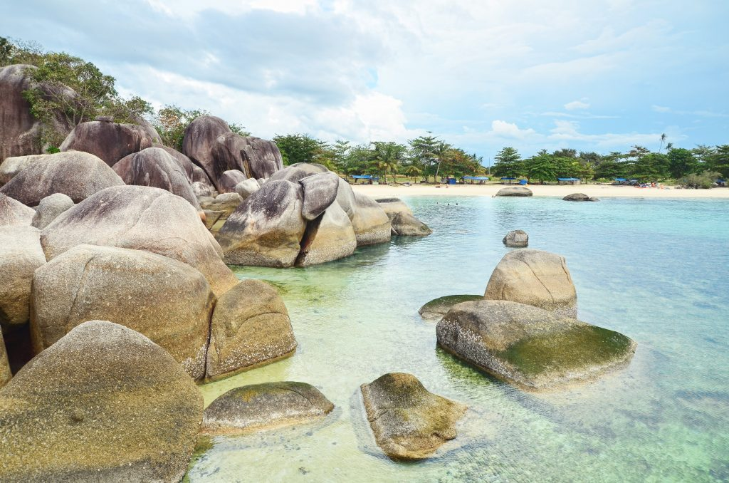 BERPETUALANG BACKPACKER BELITUNG 2H1M PLUS AKOMODASI (HOTEL)