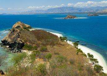 0812 9393 9797, 2 Hari Nusa Tenggara Timur Berlayar & Snorkeling Di Riung Plus Trekking Di Kelimutu & Pantai Koka Maumere