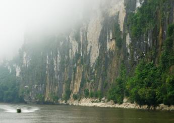 4h Sungai Mahakam Safari Plus Akomodasi (Houseboat)