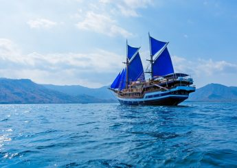 7h Komodo Jelajah Komodo Dengan Cruise